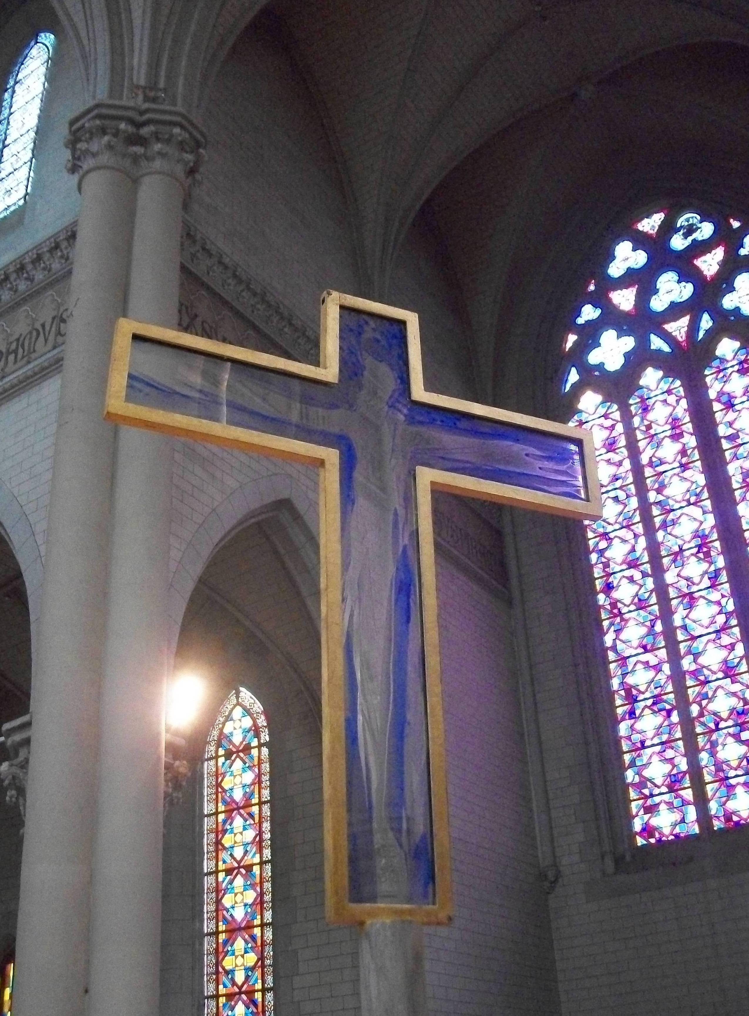 Ploerm capilla cruz